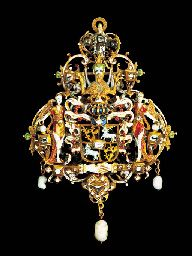 A RENAISSANCE-STYLE JEWELLED AND ENAMELLED GOLD ARMORIAL PENDANT