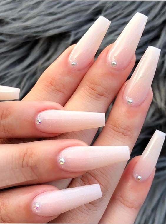 Ladies, are you looking for latest designs of nail arts to show off in these days?No need to worry at all, just see here, we have rounded up amazing styles of long nail images to give you modern designs of nail designs. This is best way for ladies to get glamorous personality in recent year.