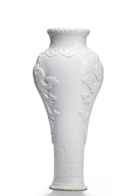 A rare soft-paste white-glazed vase, Qianlong period (1736-1795)