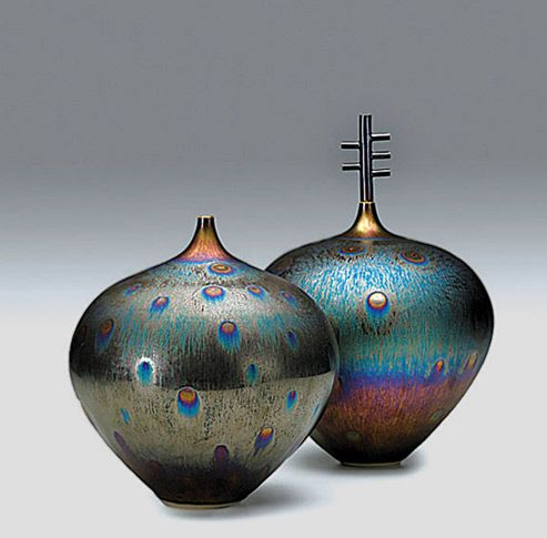 tenmoku-peacock-glaze-vessels-miyamura-493x485