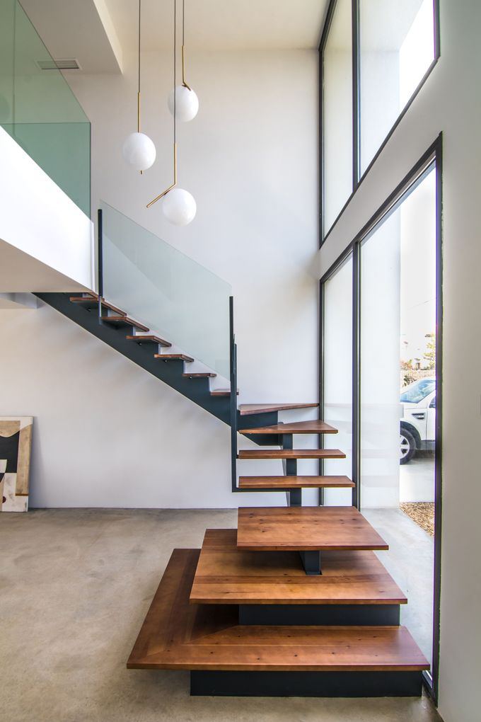 Modern Staircase Design Ideas - The staircase is a very vital design component. It's constantly an appealing function, whether it has a standard design or an unusual ... #modernstaircase #staircaseideas #modernstaircasedesignideas