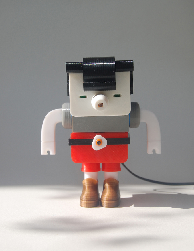 Printocho V1.0 is the first prototype for a toy that includes elements of Art Toy, the fantastic world of robots, constructional and articulated toys, or production of seriable.Made in Home, because it is printable with a 3D printer, so you can