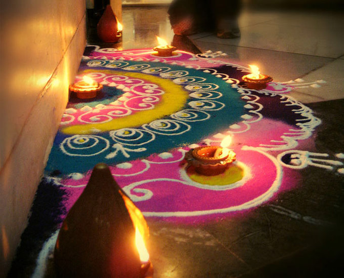 Rangoli is a folk art form in India. Colorful patterns are made on the floor as part of the celebrations during the festivals like Diwali- to welcome guests at home. And it is also considered to be a very important part in the spiritual process while celebrating the festival as there is a belief that when you have a rangoli outside home, the evil forces attempting to enter are repelled. In some traditions, simple patterns are made everyday by women in the family as it is also thought to bring good luck.The white rangoli powder, also known as chirodi, is a powdery substance like sand, fine granular in nature.To create different shades, it needs to be mixed really well with the colored/dyed powder.
