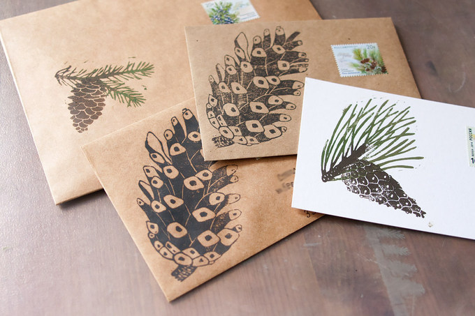 It's personal work for fun and study.Here is the postcards and the envelops printed by hand carved stamps.