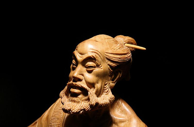 俞开明黄扬木雕