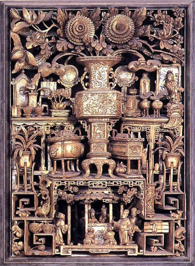 非遗·潮州木雕】潮州木雕是一项中国民间雕刻艺术,主要用以建筑装饰、神器装饰、家具装饰、案头装饰等,经精雕细琢后贴上纯金箔,显得金碧辉煌,又称潮州金漆木雕,与东阳木雕、黄杨木雕、龙眼木雕并誉于世。潮州木雕历史悠久,据遗物考证唐宋时期即已存在。潮州木雕题材内容丰富;其雕..