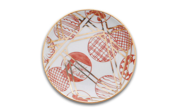 丸散赤丸 这个花纹是日本比较喜爱的一款花纹设计。没有任何断处有很好的连续性,这也是人们会喜爱的原因。
