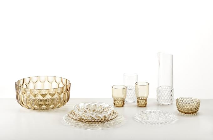 kartell in tavola tableware collection of polycarbonate plates, trays, glasses, bowls and carafes
