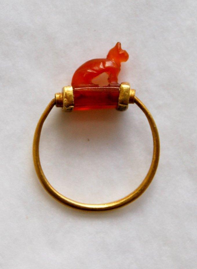古埃及金宝石戒指