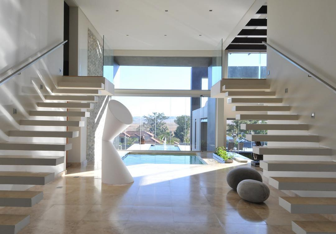 ..Blue Valley House | Entrance Hall...arquitecturaydiseo