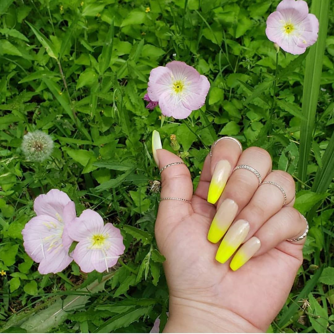 Beautiful Yellow  Nude Ombr set  By  Perfect color for the summer!  summernails