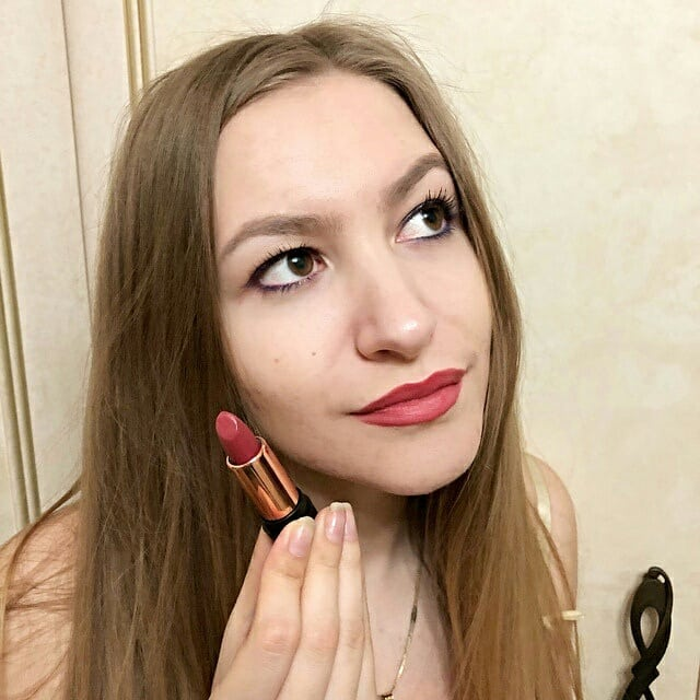 Daily show from Vostrikova Sevtlana.How do you think of this color on your lip? Click:https:bit.ly2PzFvcJrosalindstore