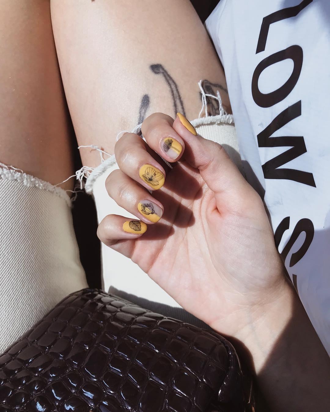 Summer in style with Get Nailed Nails done by Karina: Etiqutanos en tus fotos y las publicaremos en nuestro perfil  gnclientsview
