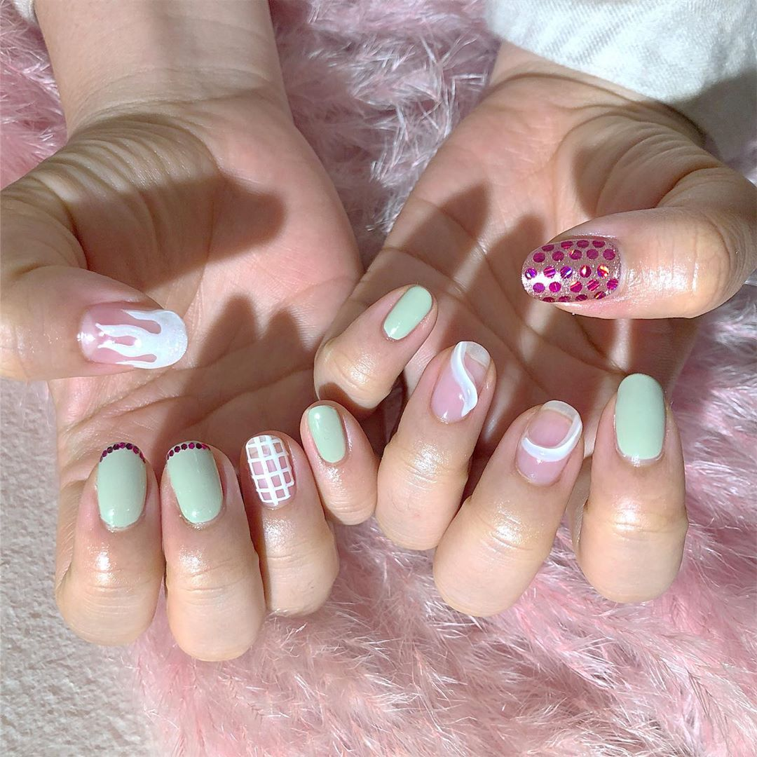 ...Welcome All The Nail Art LoverReservations please call: 096-669-2996 or Line: benbenz.bbNailart  Manicure  Pedicure  Spa services  glitternails