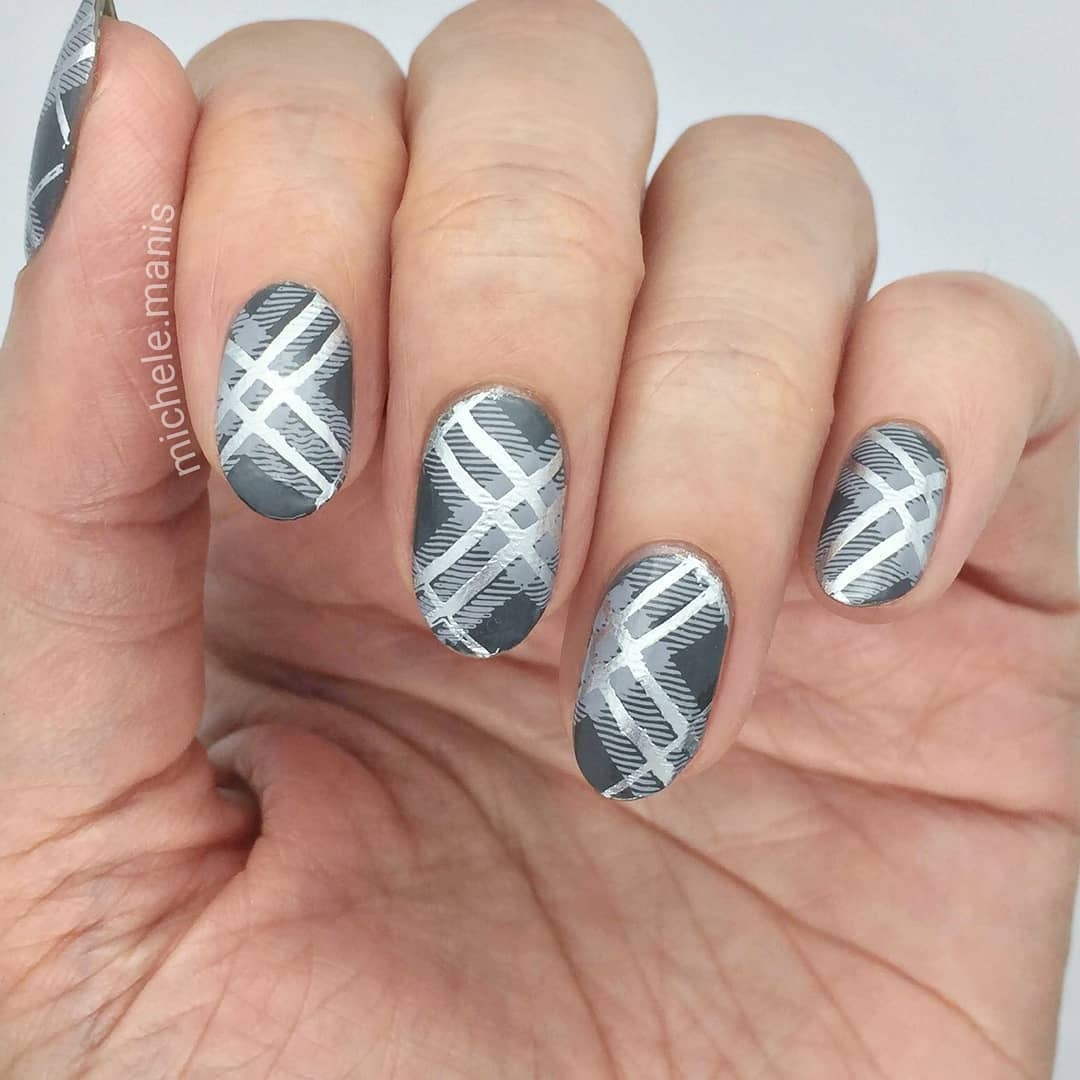 I literally had a dream of a gray plaid mani.. does anyone else get design inspiration in their dreams?----------I have a video on this in a couple days.- Rock My World- Steal the Show stamping polish- Flock of Seagulls stamping polish- Pretty in Plaid stamping plate*For a free ebook guide on nail stamping supplies, just go to the link in my profile or bit.lynailstampingguidenailartdiary