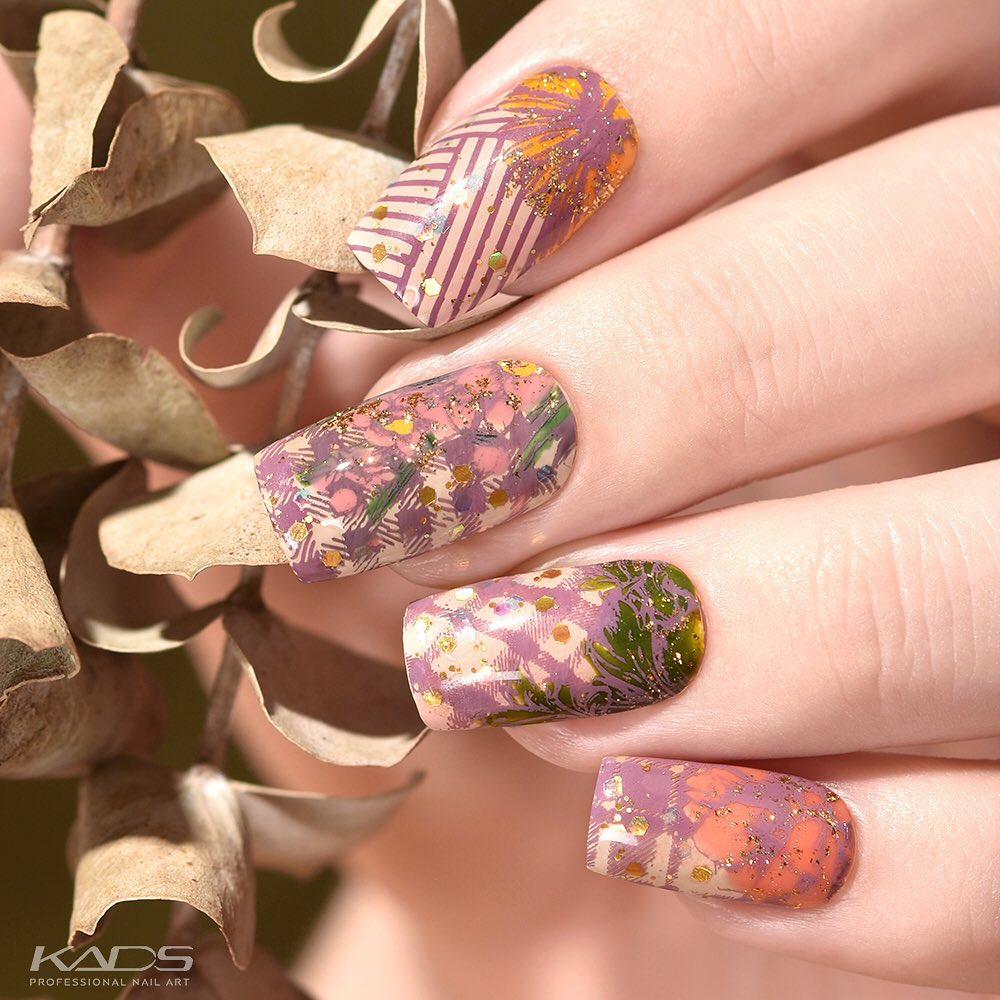 Nail design using KADS stamping plate MIN 015 from AliExpress store(link in bio). aliexpress