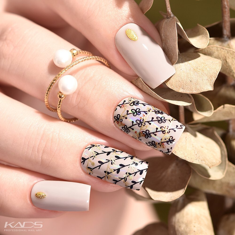 Nail design using KADS stamping plate MIN 027 from AliExpress store(link in bio). nailshop