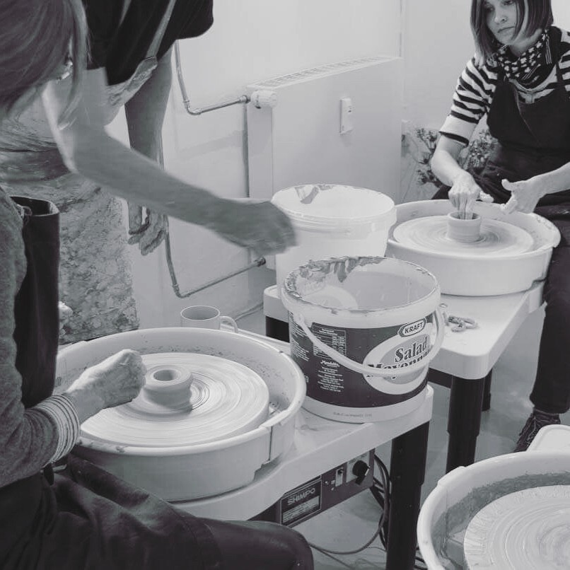 Beside shopping beautiful ceramics YONOBI is also a ceramic studio, where you can join different workshops and learn the craftsmanship of the pottery wheel. Next workshop is the 20-21 of may and there are still some available spaces. Link in bio learnsomethingnew