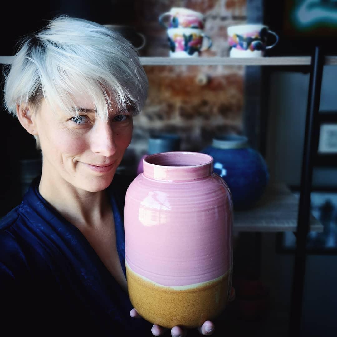 Idag ppnar jag en ugn full med vaser!Ska bli s spnnande att se hur det har blivit....clay