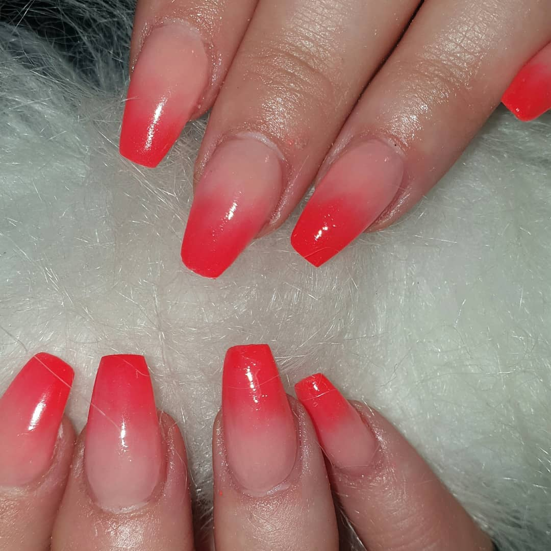 Totally in love with these bright ombre nails from today  ....orangenails