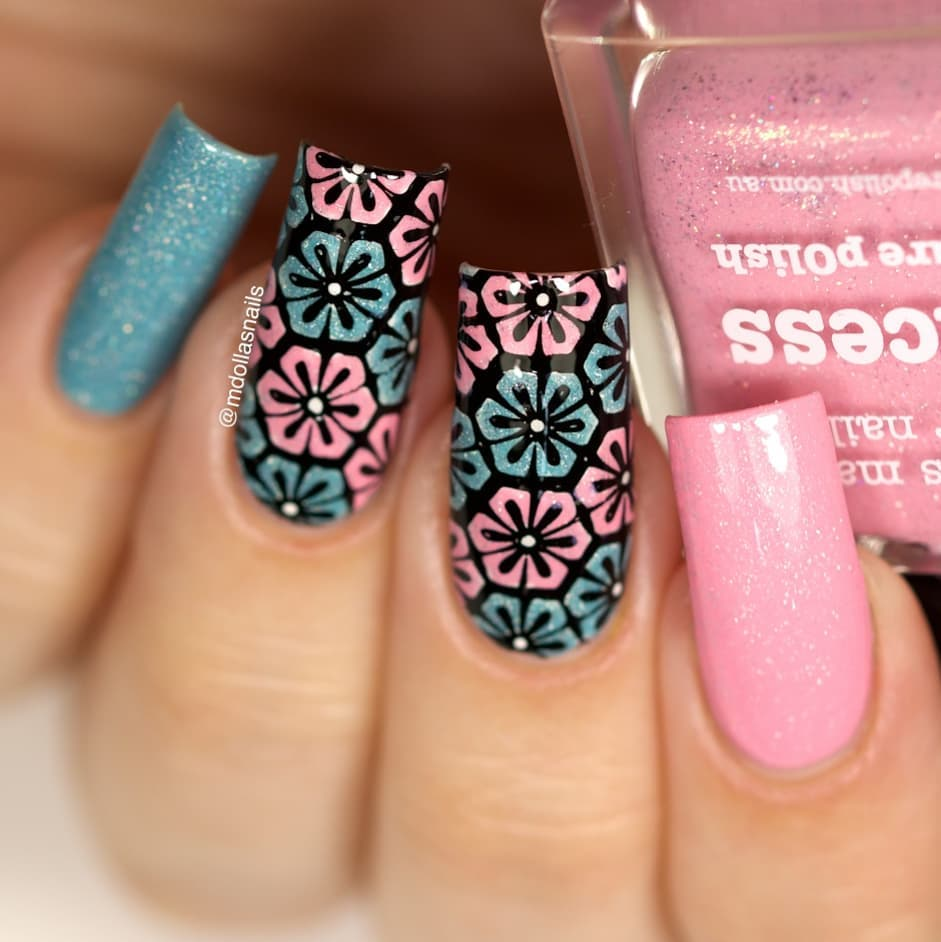 Flowers mani with Princess and Destiny, stamped with BBB-012 plate.Don't forget to use my discount code Mdol10ongle
