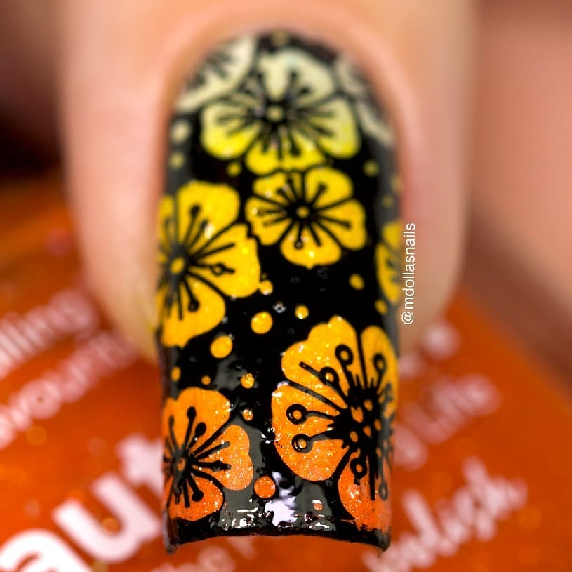 Flowers mani with Haven, Sunflower and Autumn, stamped with BBB-020 plate.Don't forget to use my discount code Mdol10  ongle