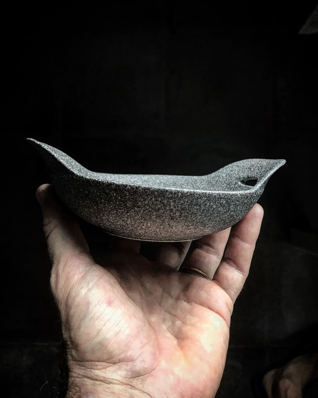 Meanwhile the mighty Agung is erupting Im going to post some LAVA-related ceramics ... .These little wok pans are completely unglazed and the clay body is a mix of black volcanic sand and porcelain.The dry and rough surface looks land feels like a piece of stone... instacool