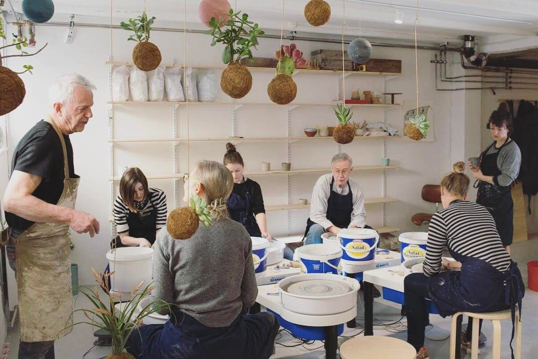 This weekend we have one of our ceramic intensive workshops. Where our teacher from is teaching how to make ceramics on a pottery wheel. There's still available spaces, and as a special treat for all you Yonobi followers here is a 10% discount code. Just write THANKS10 at checkout and get 10% on your first ceramic workshop!! learnsomethingnew