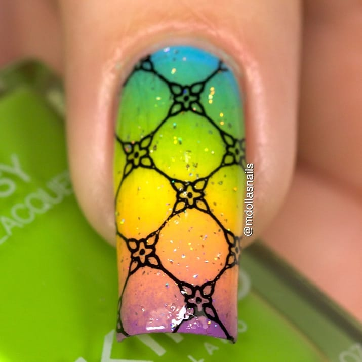 Gradient mani with 340, 708, 355, 359, 331, My private rainbow (x), stamped with SB078 plate.koromlakk