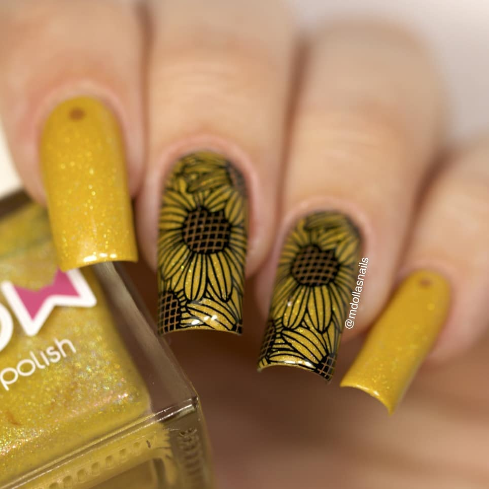 Sunflowers mani I used Hive from and stamped with XL-022 plate.ongle