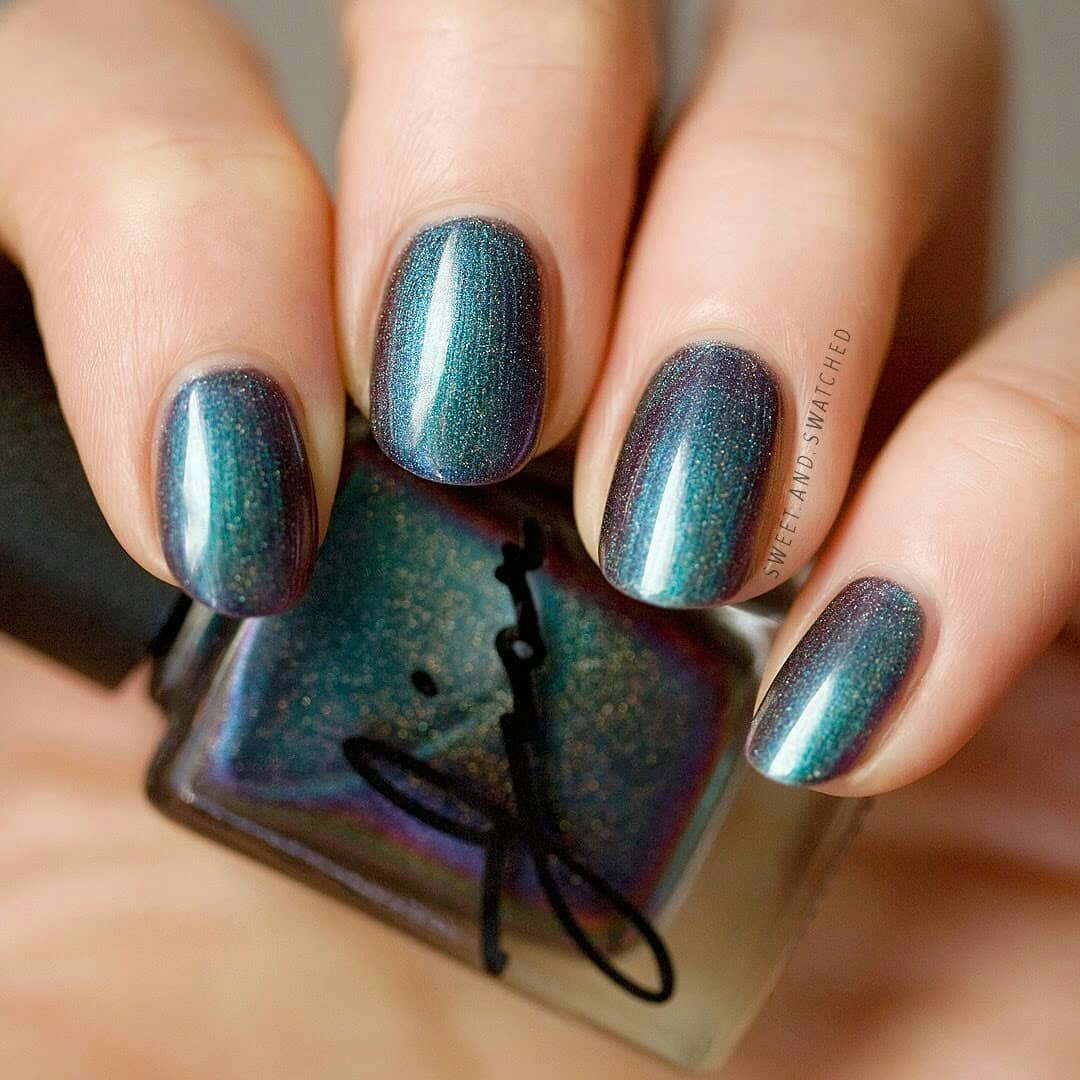 Just look at that incredible shift!!! LOVE!This is Cosmic Glazed by from the February Sugar Rush theme. And not only is it an incredible multichrome, but it has the perfect amount of holo so it sparkles in the sun.Swipe for more!!indiepolish