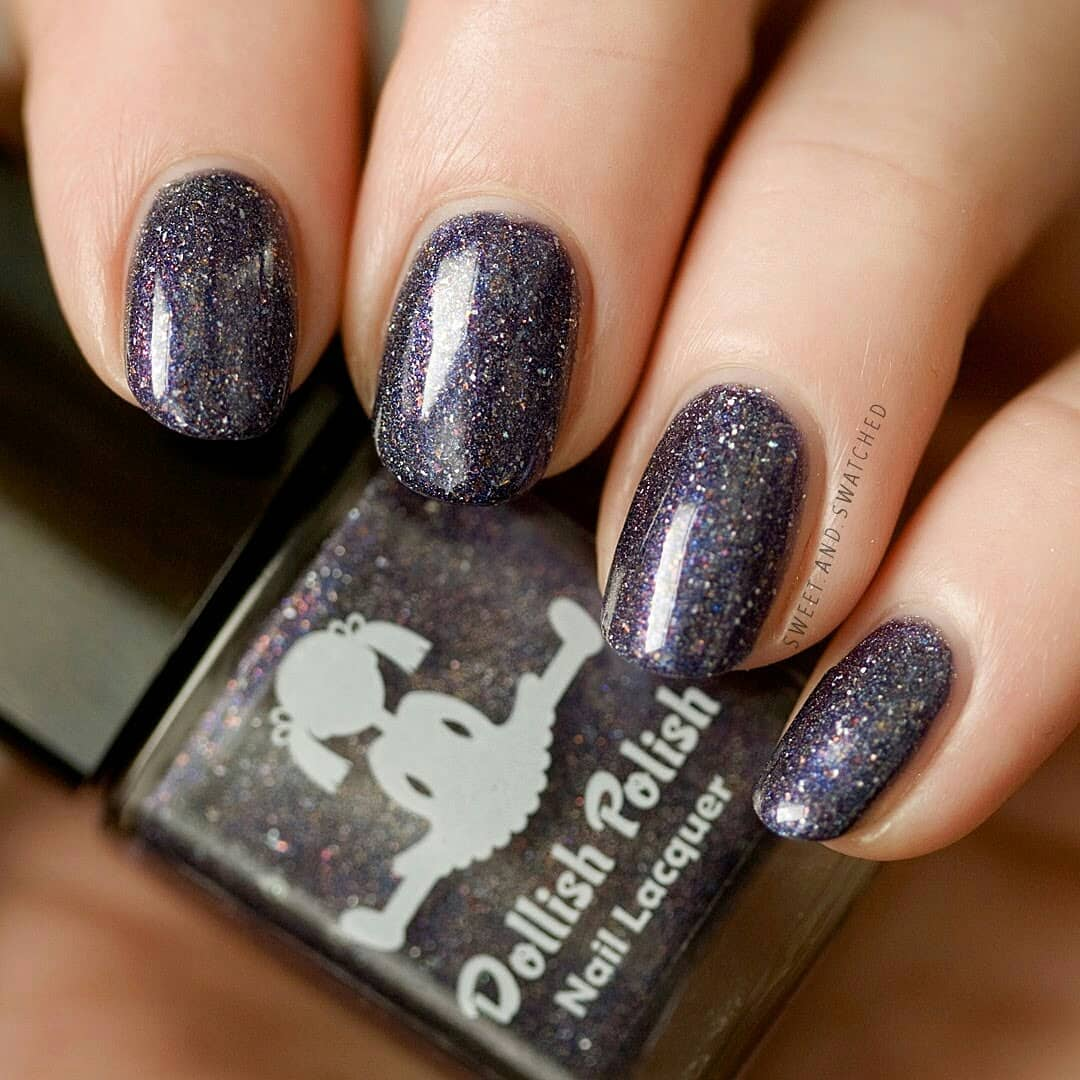 Today I'm sharing THE polish that convinced me to give indies a try. So much love for this amazing  called If One Wolf Survives, The Sheep Are Never Safe, from the November Fandoms theme.dollishpolishlacquer