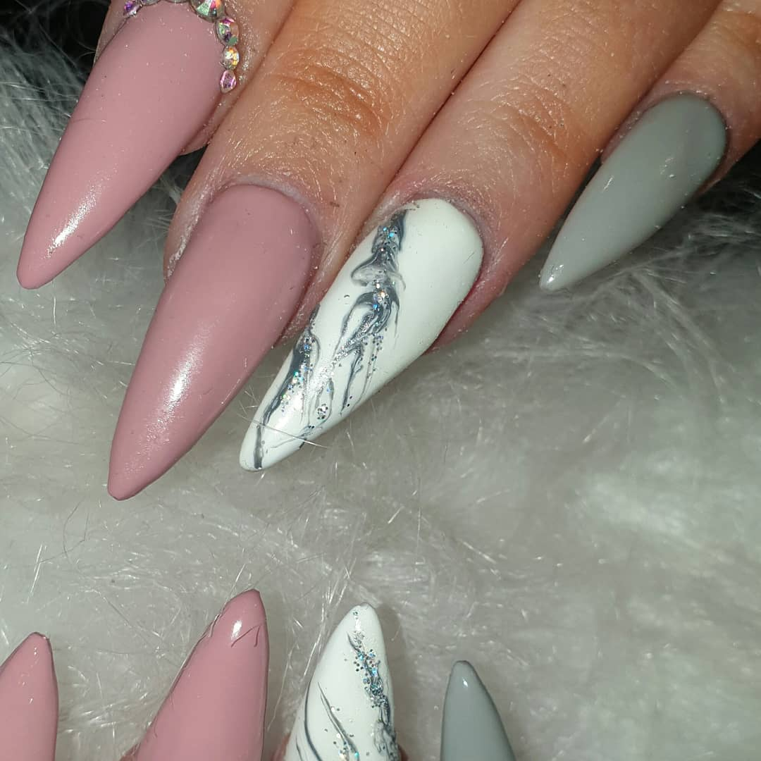 Such a beautiful set from last week, I must apologise for the lack of up updates  I've just been flat out  ....pinknails