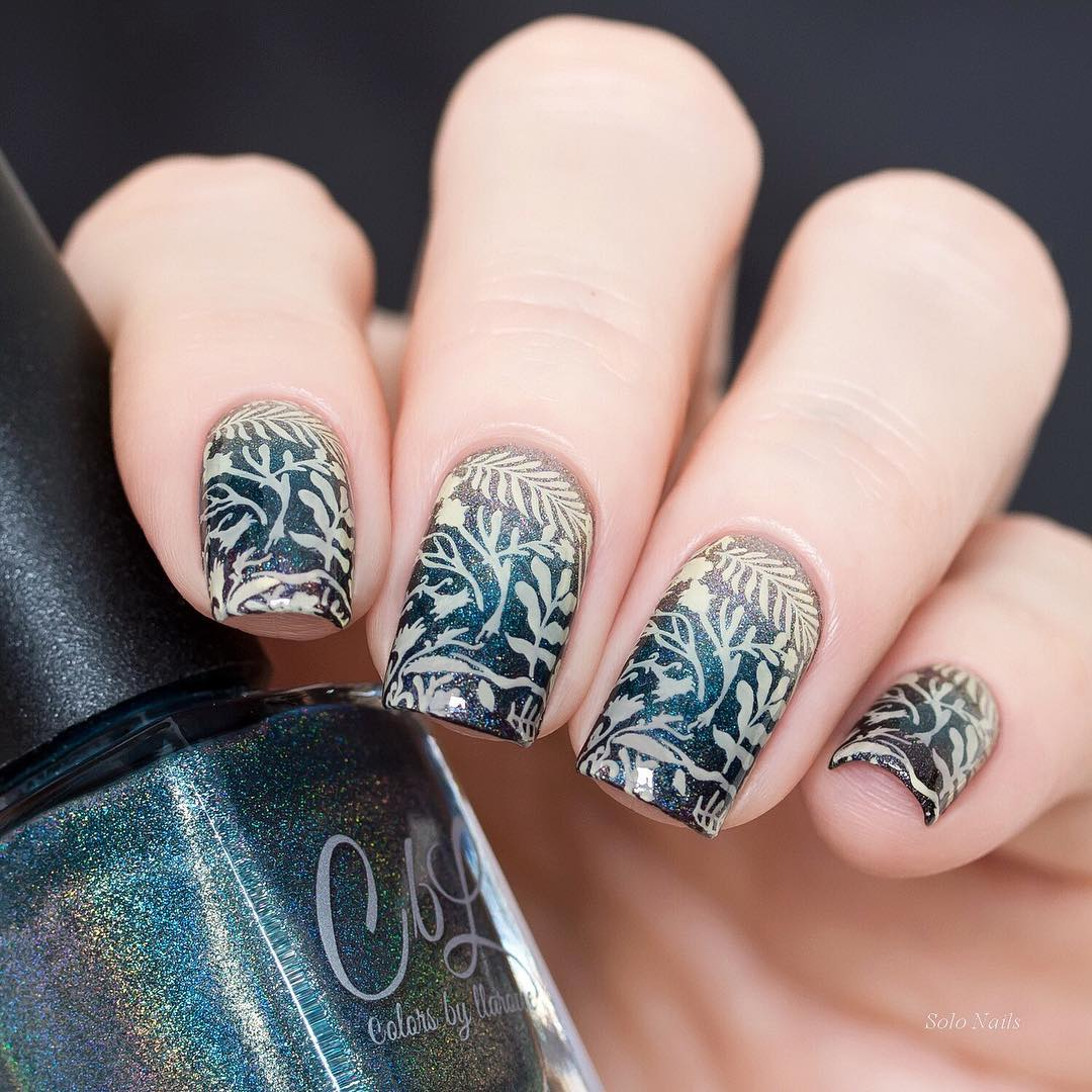 Gorgeous nails by using stamping plate Whats Up Nails - B045 Sprung on Spring ($7.75 USD) available on our site WhatsUpNails.com (link in bio) and in store in Chandler Mall (Arizona, USA)! We ship worldwide from USA! gradientnails