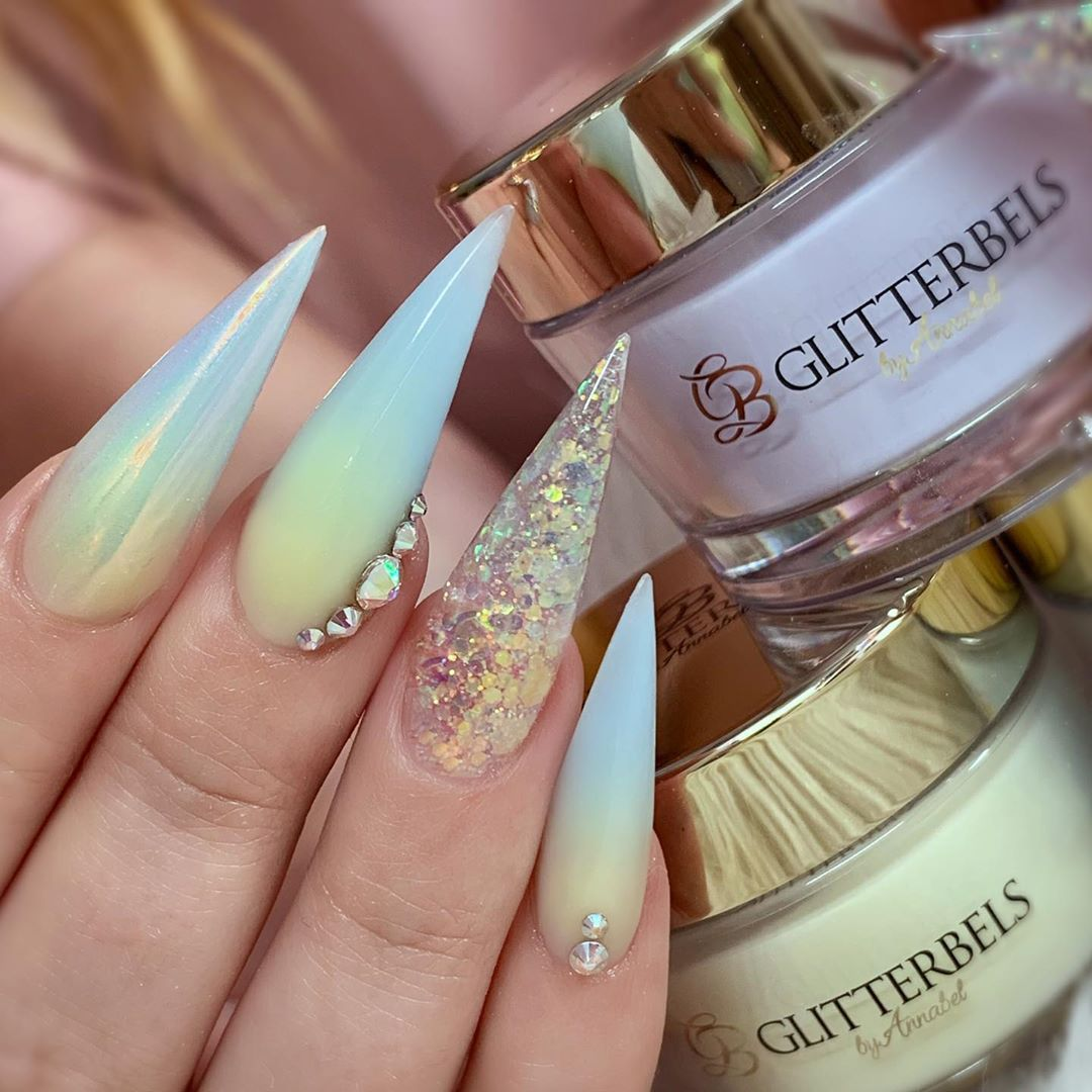 Adorable nails by using stamping plate Whats Up Nails - B042 Head in the Clouds ($7.75 USD) available on site WhatsUpNails.com (link in bio) and in store in Chandler Mall (Arizona, USA)!We ship worldwide!unicornnailart