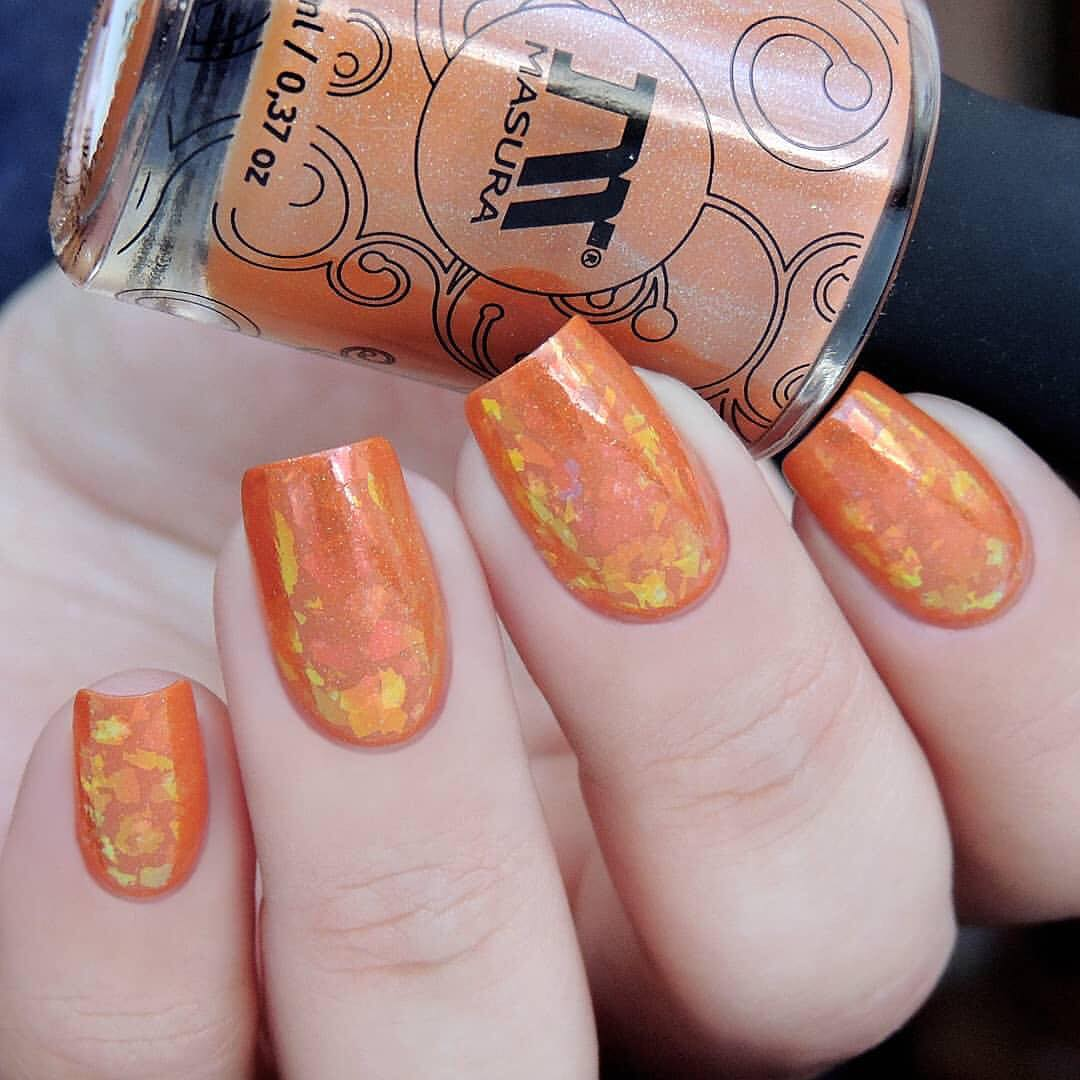 Adorable nails by using stamping plate Whats Up Nails - B037 Growing Beauty ($7.75 USD) and Rose Chrome Powder ($15.75 USD) available on our site WhatsUpNails.com (link in bio) and in store in Chandler Mall (Arizona, USA)! We ship worldwide from USA! mirrornails