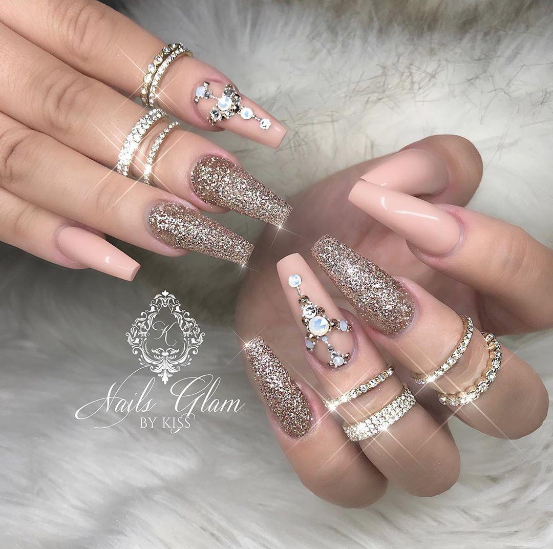 Beautiful set ....ombrenails