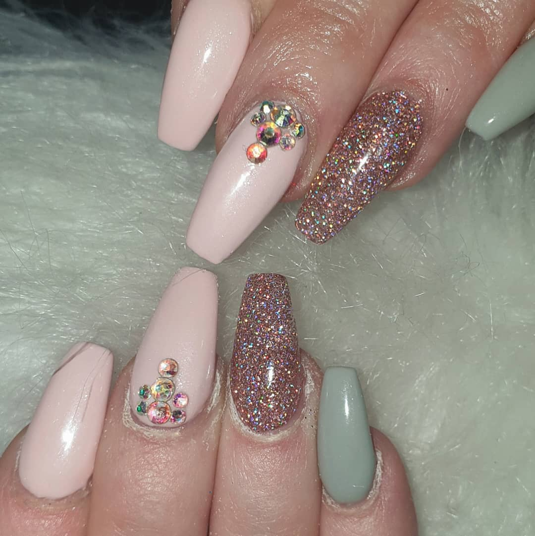 Just love these nails, this new colour pink is beaut  baby pink with a slight shimmer .... hudabeauty