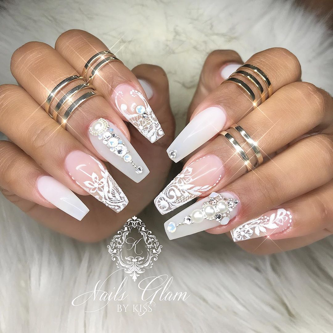 She  is going to look nice in her Wedding ....ombrenails