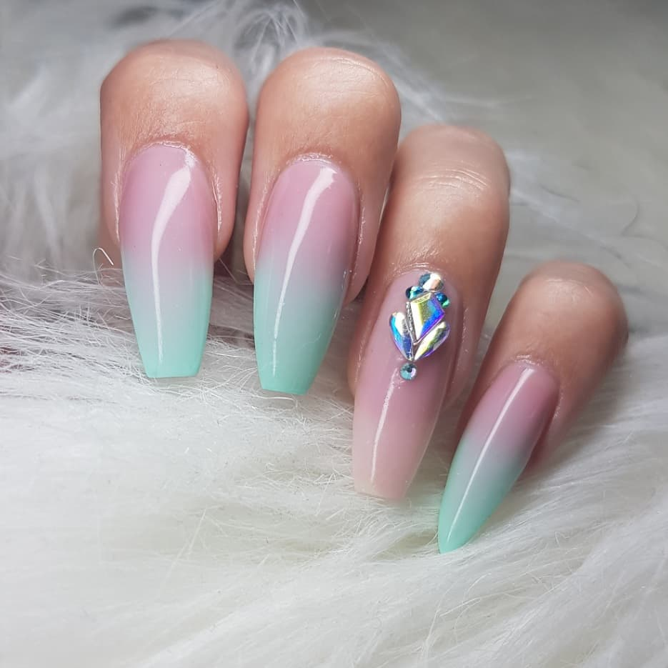 The perfect summer shade in a badass summer fade  Nails made with productsFrom Products used: Grade A Cover Pink Soft Pinknailsofinstagram