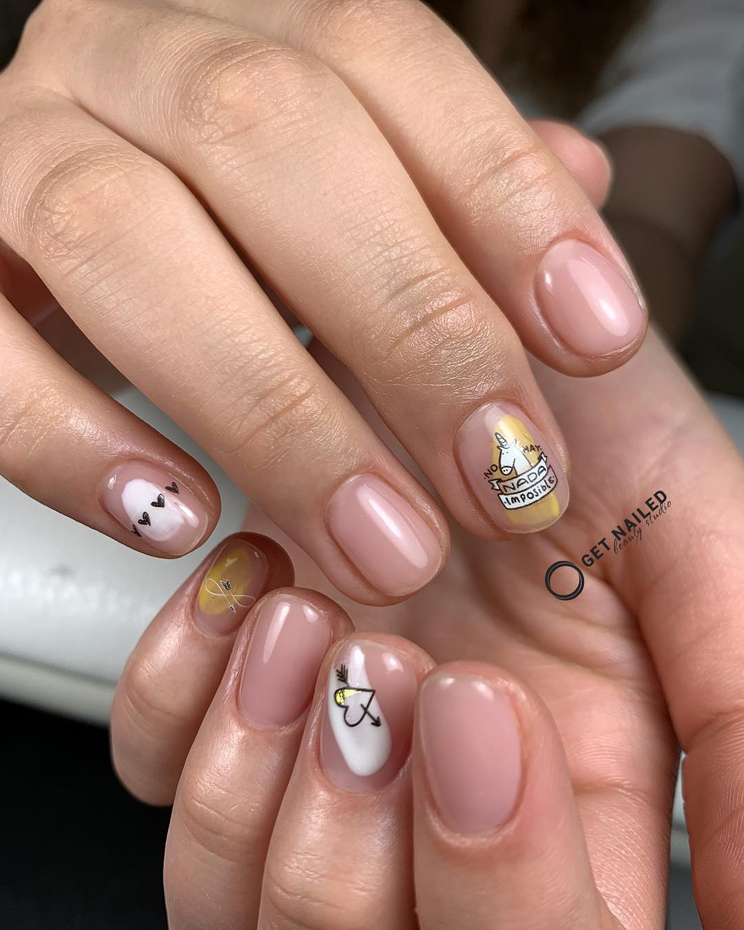 No hay nada imposible  Nails done by MargaritaYou can book your appointment on getnailed.co, through DM, WhatsApp +34 680 576 151 or simply by leaving a comment ..luxiogel