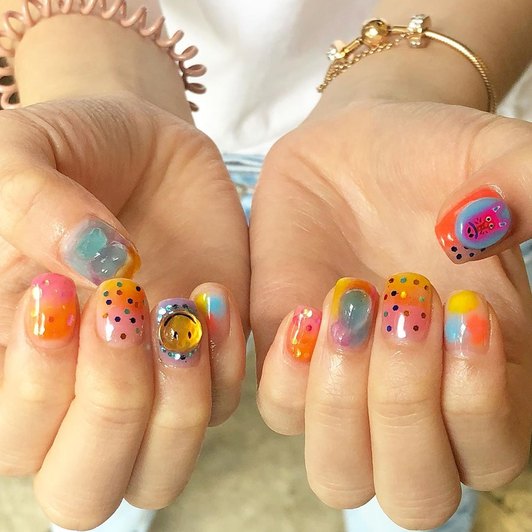 daydreaming about this cute jello popsicle mani ...Welcome All The Nail Art LoverReservations please call: 096-669-2996 or Line: benbenz.bbNailart  Manicure  Pedicure  Spa services glitternails