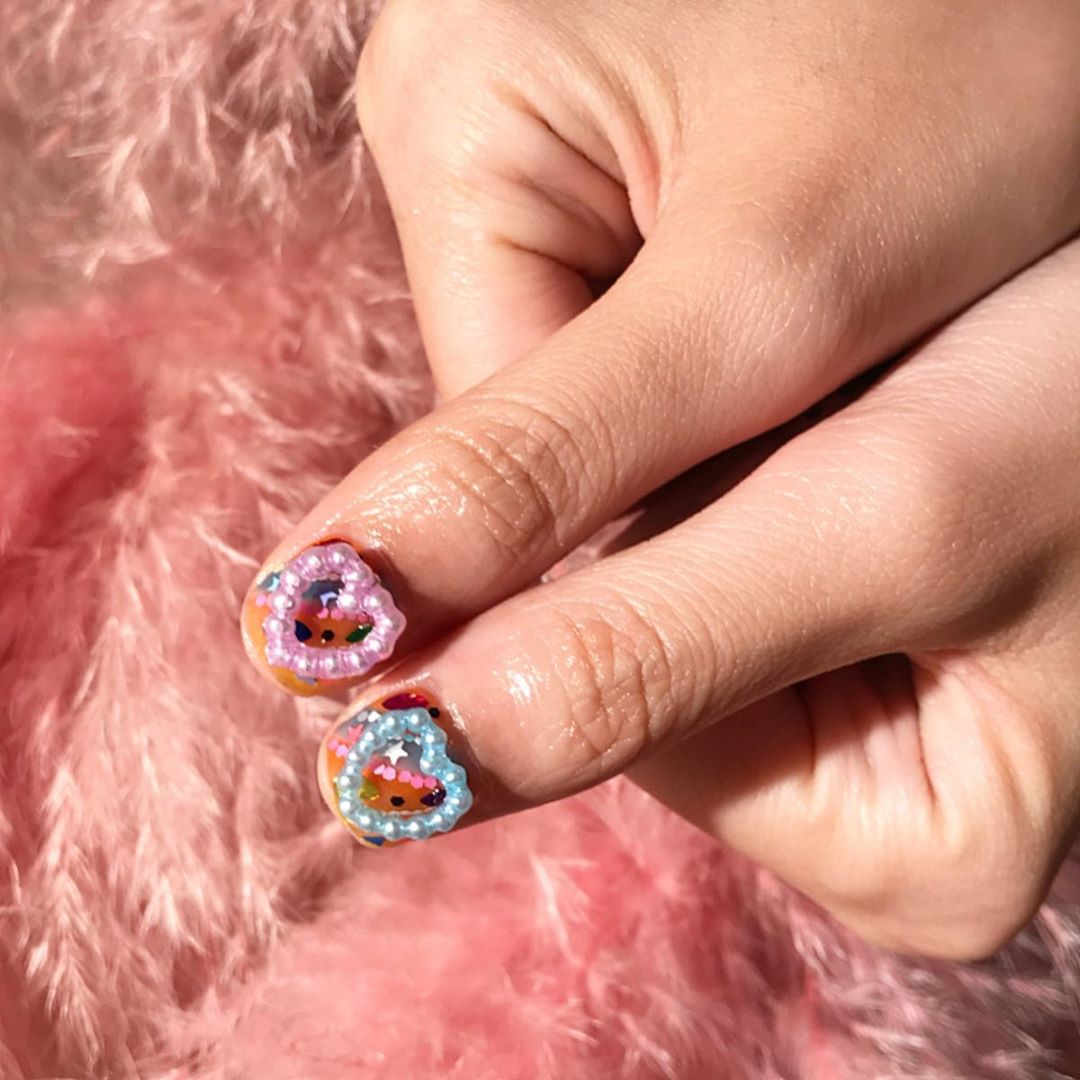 Our lovely day, lovely heart...Welcome All The Nail Art LoverReservations please call: 096-669-2996 or Line: benbenz.bbNailart  Manicure  Pedicure  Spa services glitternails