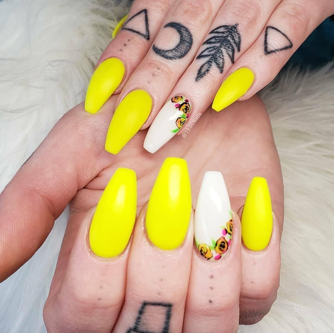 Sunshine yellow    by .....nailstagram