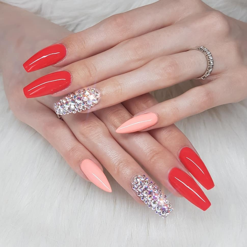 Sassy Lassie together with Confident Coral - what an amazing combo  Nails made with productsFrom nailsofinstagram