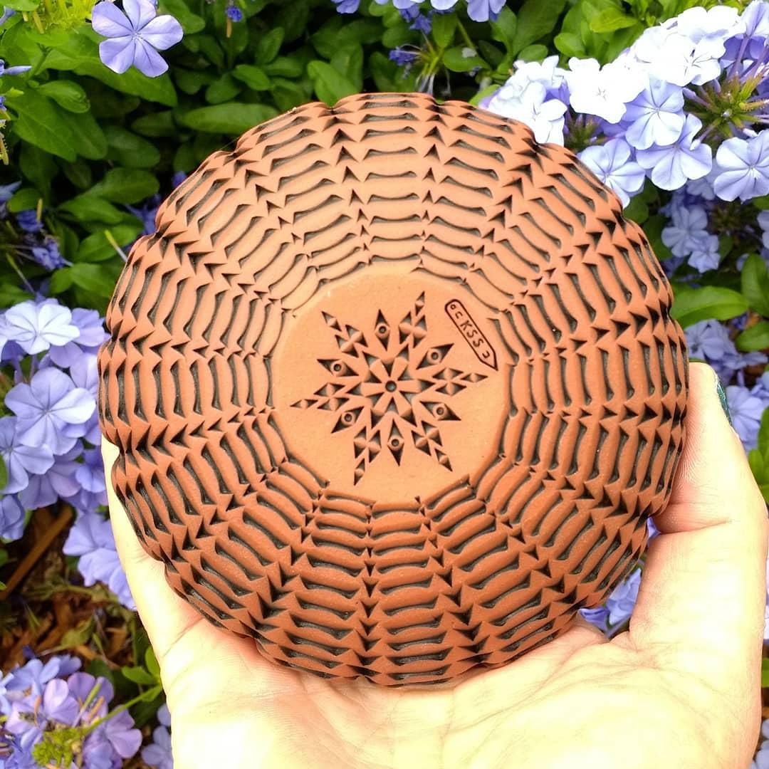 Sweet little seedsquash vessel.love_ceramic     shareslo