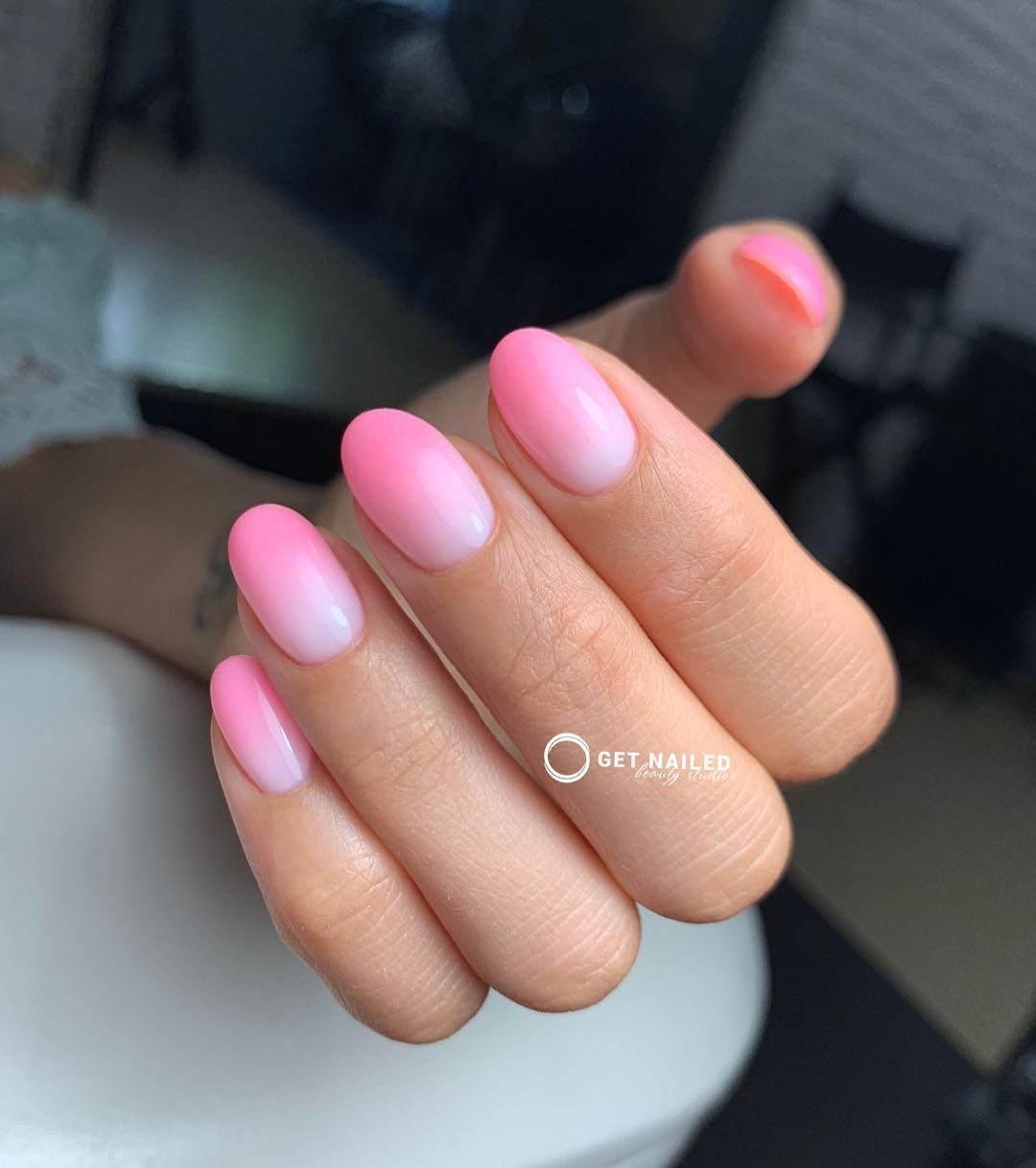 Gentle pink Nails done by KarinaYou can book your appointment on getnailed.co, through DM, WhatsApp +34 680 576 151 or simply by leaving a comment ..luxiogel