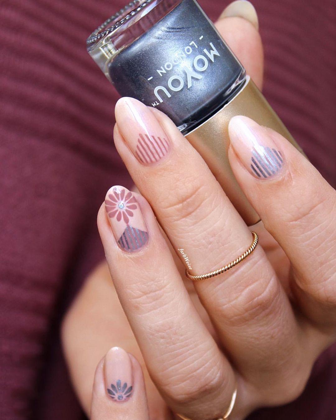 Elegant spring nails by  Always so chic! Plates - Artist 28beautyguru