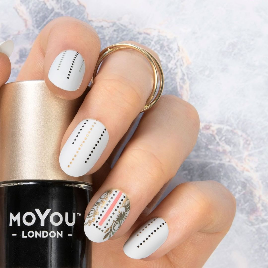 What in carnation! You still don't have the NEW FLOWER POWER PLATE?  What are you waiting for?  Plates - Flower Power 24 Polishes - Black Knight  Snowflake  Ginger Rust  Teenage Blushbeautycounter