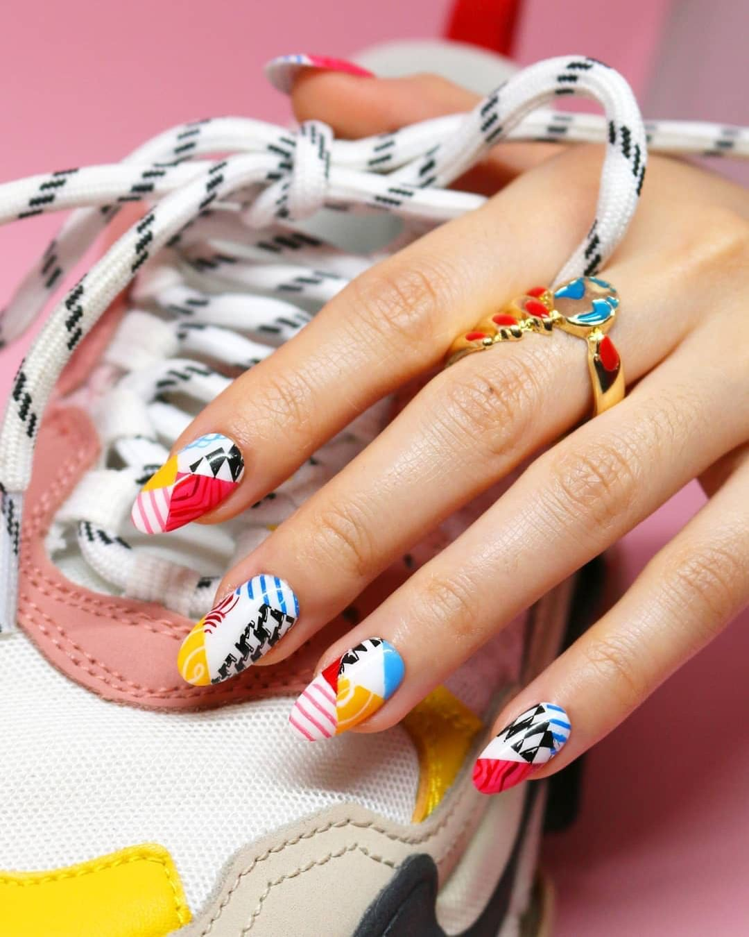 You will need to ZOOM IN, because we cant believe created these (and that theyre not nail stickers!)